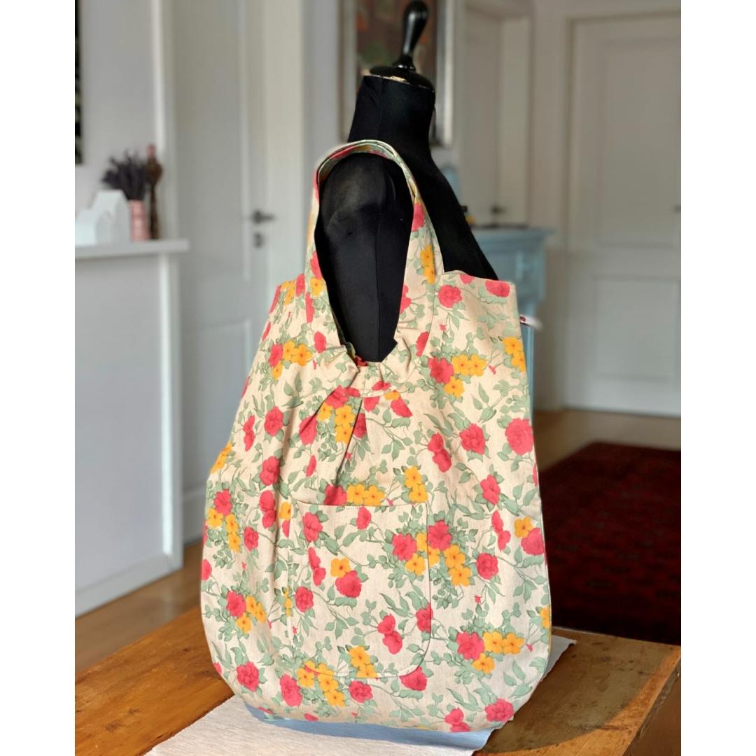 Színes virágos óriás táska