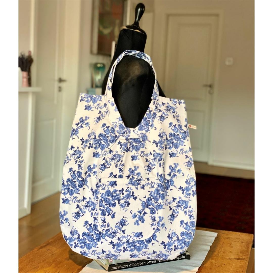 Fehér virágos óriás táska