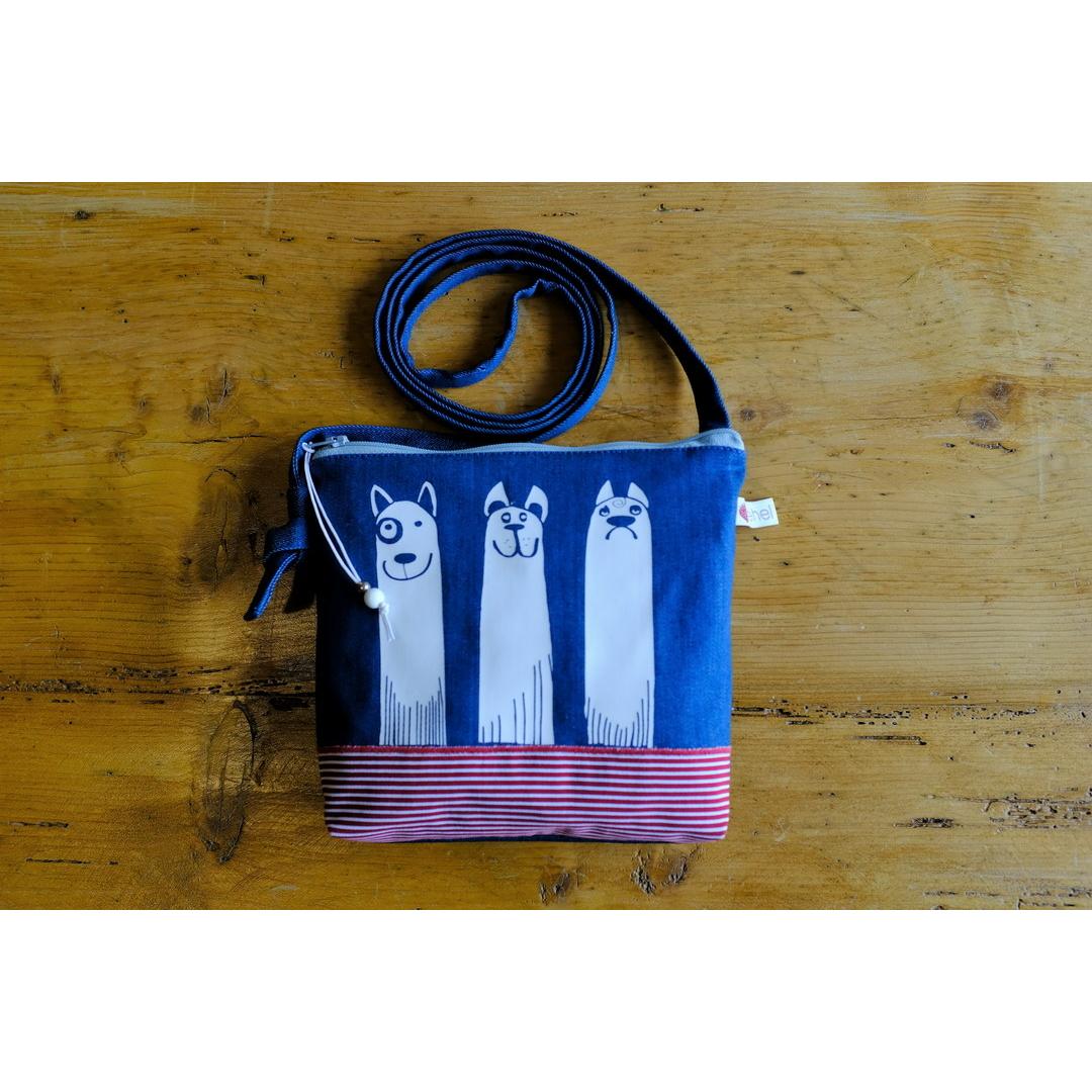Kutyás táskácska